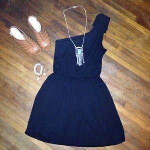 Express Dresses & Skirts - Express one shoulder black cocktail dress