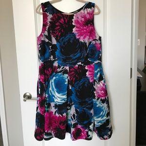 Taylor Dresses Dresses & Skirts - Flower Taylor Dress