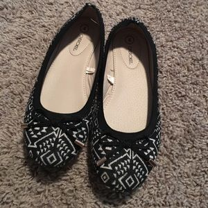 Black and white ballet shoes. Size 4