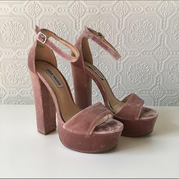 67a06ce73f9 Steve Madden Gonzo platform velvet blush heels. M 593451b2713fde83ce00ffbc