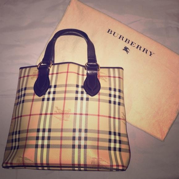 9d3f1e5698 Burberry Handbags - 💯 BURBERRY Chester Check Haymarket Tote Handbag
