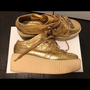 9f3fb446005 CHANEL Shoes - CHANEL Creeper Platform Sneaker - crinkled Gold