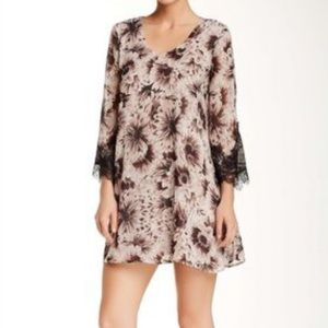 ASTR Lace Trim Shift Dress in Floral Print