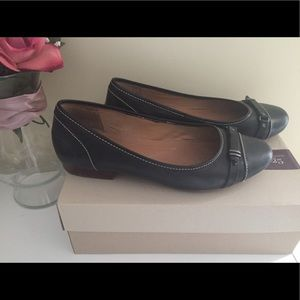 Clarks shoes size 9.5