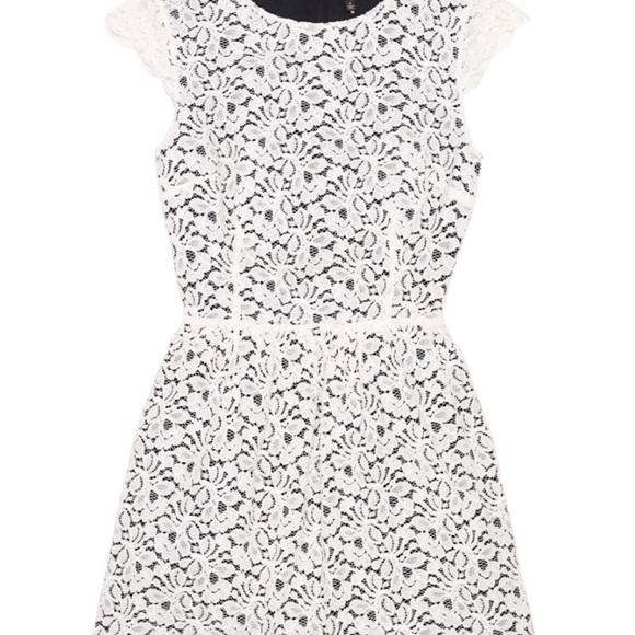 Aritzia Dresses & Skirts - White lace Talula belgravia dress NWT size6