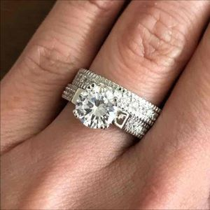 Jewelry - 925 Sterling Plated wedding Ring Set