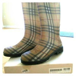 11 1 2 wide rain proof women s boots for sale