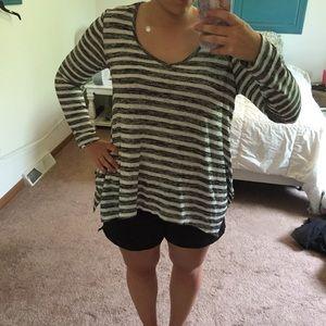 ✨FLASH SALE✨grey & white striped long sleeve