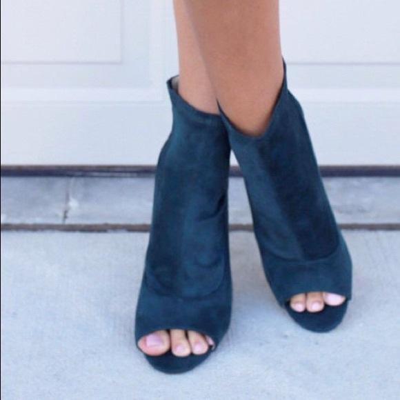 Boutique Shoes | Velvet Peep Toe Peep