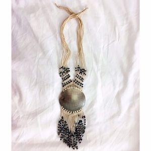 MAKE AN OFFER  Natural shell statement necklace