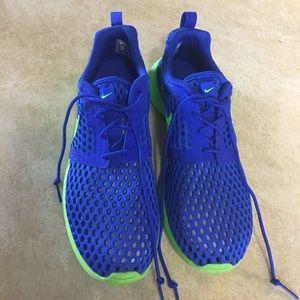 NWOT Nike shoes 6Ysz 7.5sz Women's