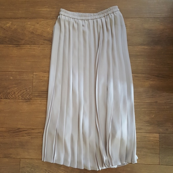 19d2d6bba5 Uniqlo Skirts | Nwot High Waist Chiffon Pleated Skirt Xs | Poshmark