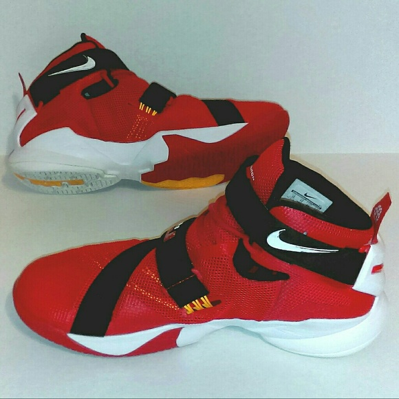 low priced afd60 7eb08 LeBron James by Nike Men s Size 12 Red Black. M 5934938f2599fe05a801fd45