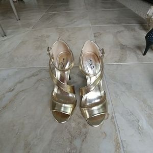 Anne Marie Shoes - Metallic gold heel