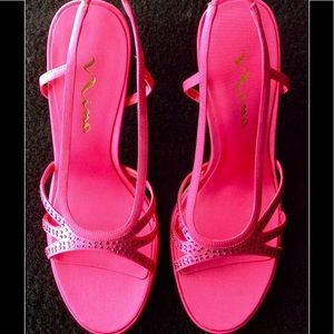 NEW HOT PINK STRAP SANDALS WITH FACETED STONES