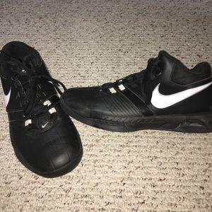 Nike Sz 9 air visi pro 5 basketball shoes