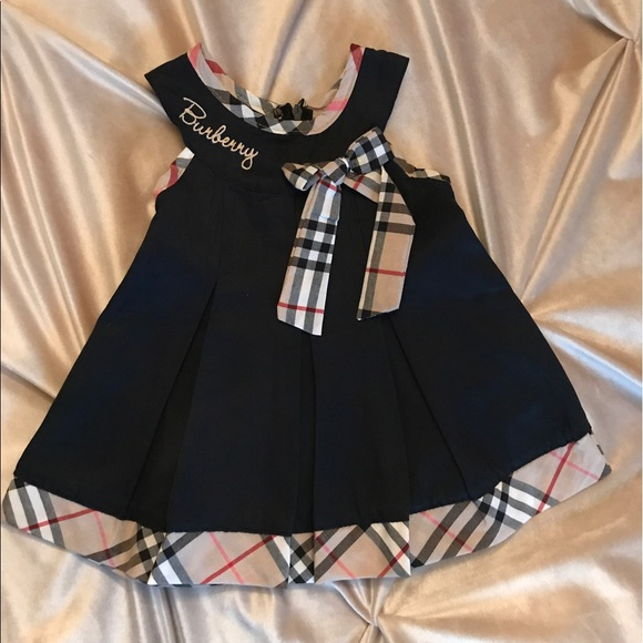 8e0206eaa1756 Baby girl Burberry dress