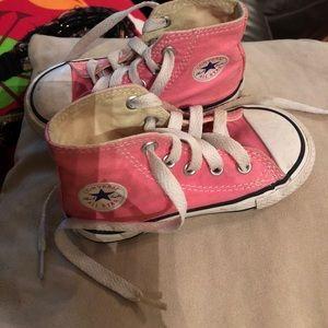 Baby girl pink Converse hi -tops sz 6 GUC