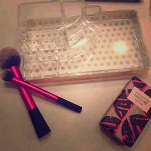 Other - Makeup Brush Holder & Container 💄💅🏼