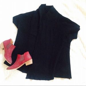 Black Loose-fitting Chunky Knit Sweater!
