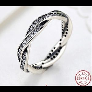 Jewelry - Twist of Fate 925 Sterling ring with crystals