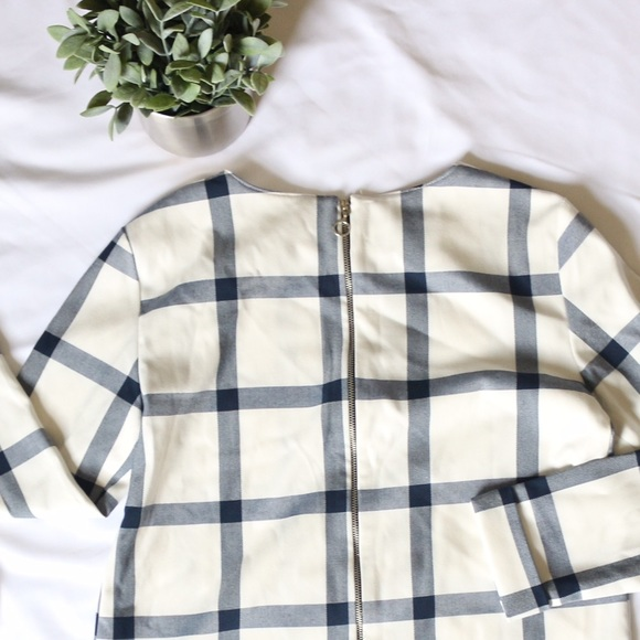 zara zara crop top buffalo plaid blue white from letter and 39 s closet on poshmark. Black Bedroom Furniture Sets. Home Design Ideas