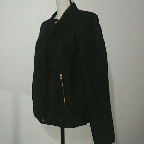 Zara - Zara Trafaluc Embroidered Design Zip Up Jacket from ud83dudecdroxu0026#39;s closet on Poshmark