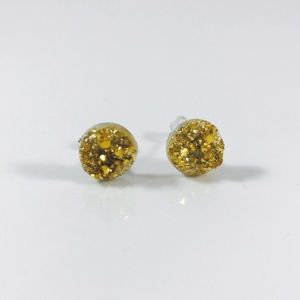 🆕⭐️Adorable Gold Textured Druzy Stud Earrings