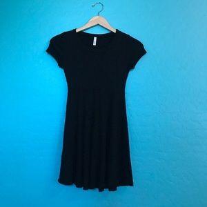 A+ Ellen Dresses & Skirts - Simple black mini dress
