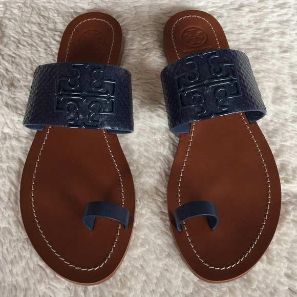 dcf496ce62ae1b ... shopping new tory burch melinda snake print toe ring sandal bc306 8fcd8