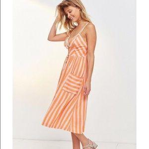 ec2d04fb0fb Cooperative Dresses - Cooperative Emilia Linen Button Midi Dress