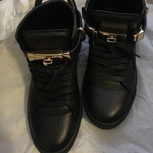 Buscemi Shoes - Black and gold Buscemi sneaker