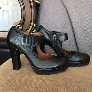 8b32bde3ae8 High Heel Bootie
