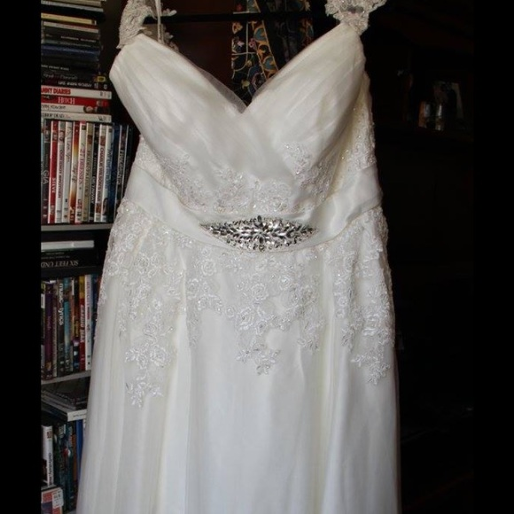 Wedding Dress Used Only Once