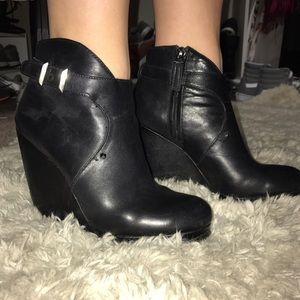 WOMENS SAM EDELMAN 8.5 leather booties