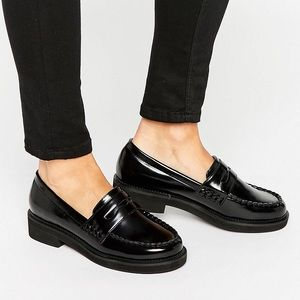 CHUNKY BLACK SLIP ON LOAFERS