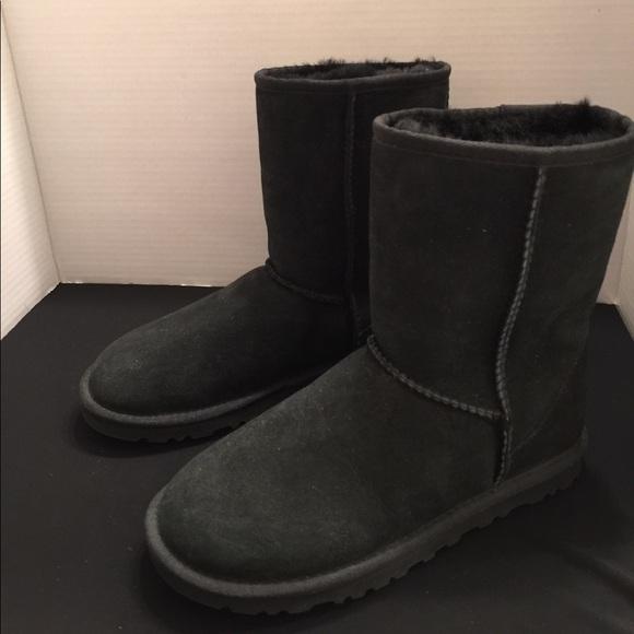 38b8cbc092b Black UGG boots short classic 6 NEW Authentic
