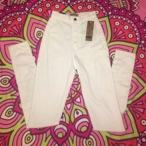 Aphrodite Denim - Aphrodite white high waisted jeans