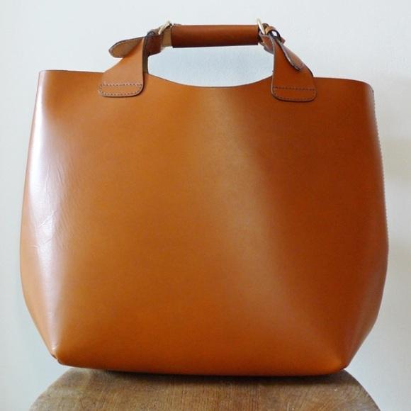 Zara genuine leather cognac tote bag. M 593546629c6fcfce9109e4f7 51eb3730e8