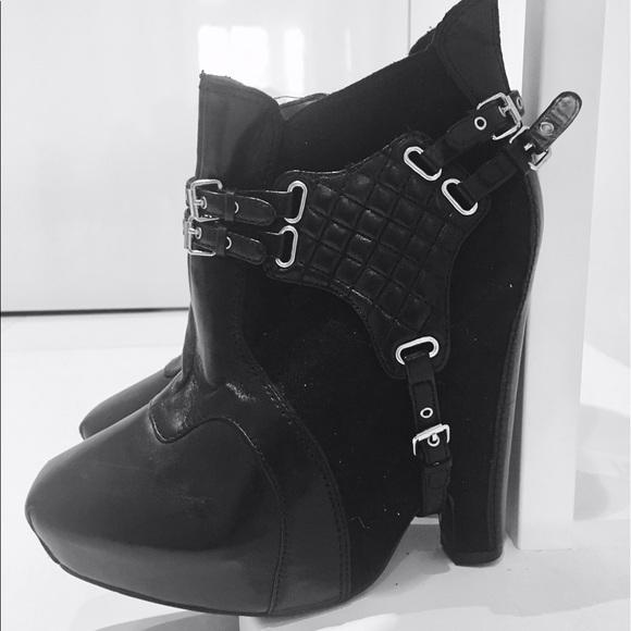 dc29333af0fb Sam Edelman  Zoe  Harness Boots! 😎. M 593576f67fab3a42b9001607