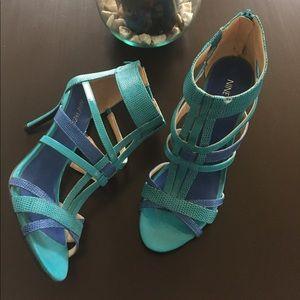 Nine West blue sandals size 7 1/2