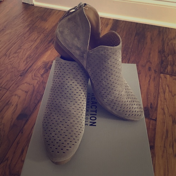 0713e9ce05e Kenneth Cole suede Side Way 2 ankle boots