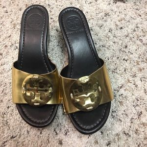 Reposh Tory Burch shoes there are to small for me