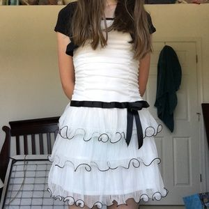 Amy's Closet Other - Black and White Ruffled Dress