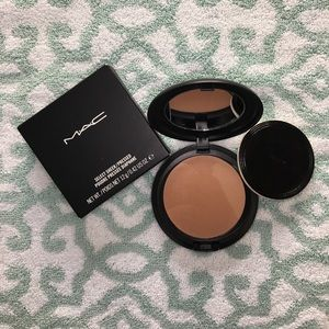 M•A•C Cosmetics NW35 Select Sheer Pressed Powder
