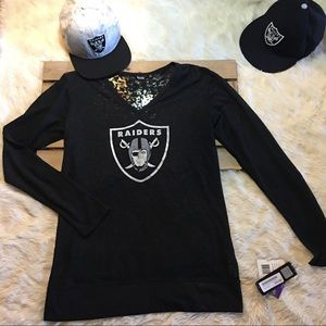 Woman's Touch Apparel Tops - NWT Raiders Thermal Tee
