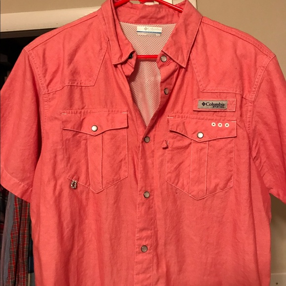 69 Off Columbia Other Columbia Pfg Short Sleeve Button