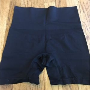 Yummie by Heather Thomson Other - Yummie seamless shaping shorts plus sz 1x/2x 2x/3x