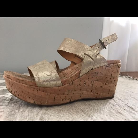 65c9d5b632d Kork Ease Shoes - Kork Ease Austin Gold Metallic Wedges - sz 9