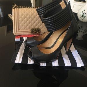 Shoes - LAMB HEELS 👡👡
